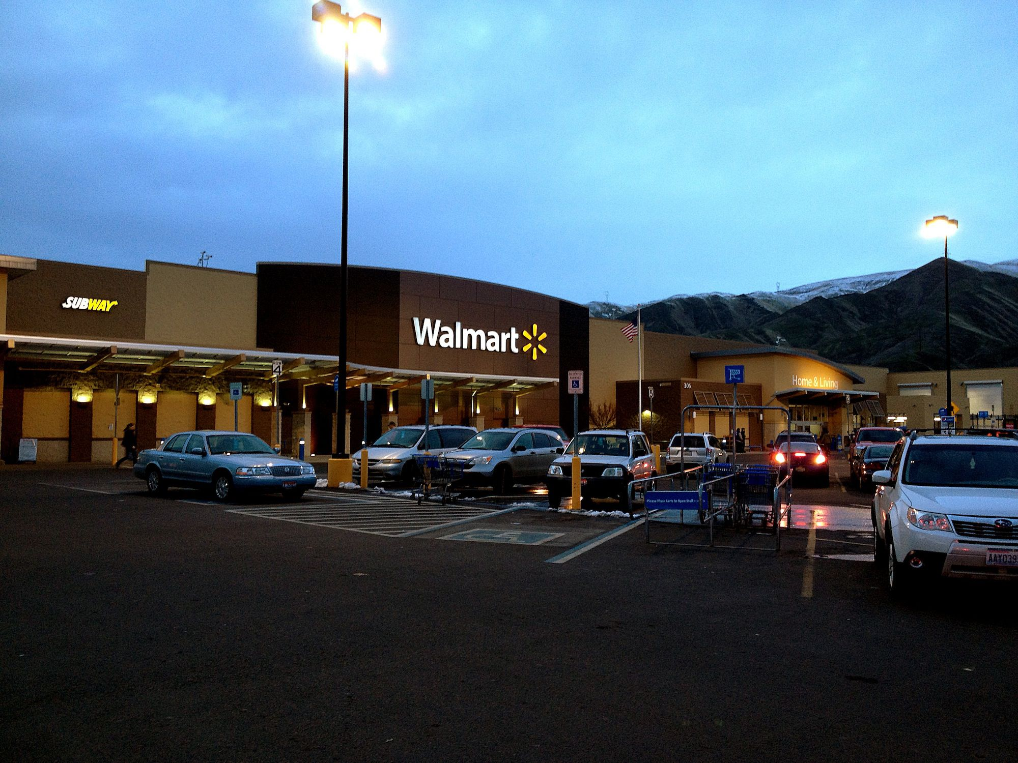 the life of sam walton founder of walmart