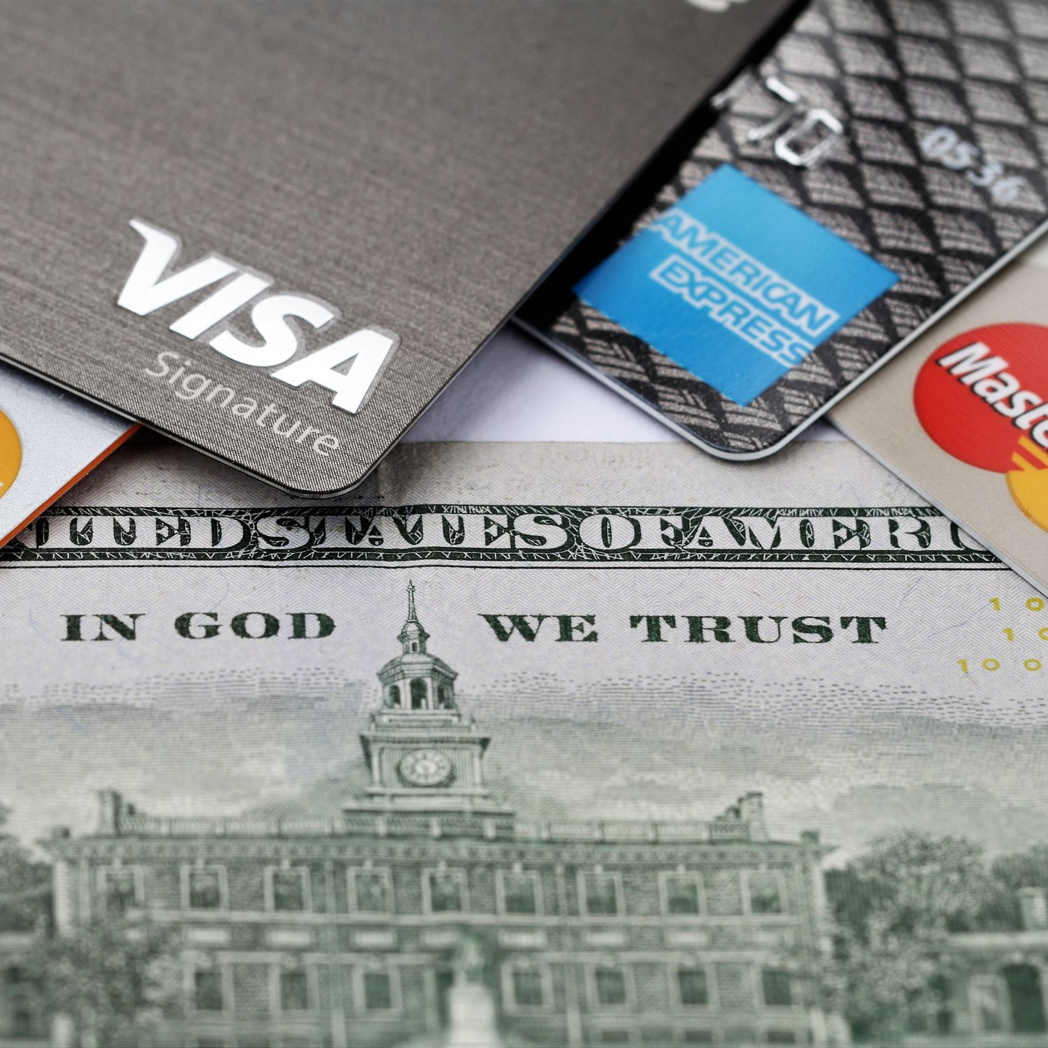 What's the Difference Between Visa, Mastercard, Discover, and American Express?