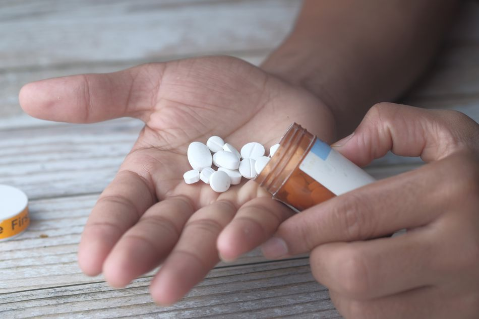 Non-narcotics can help with Opiate abuse