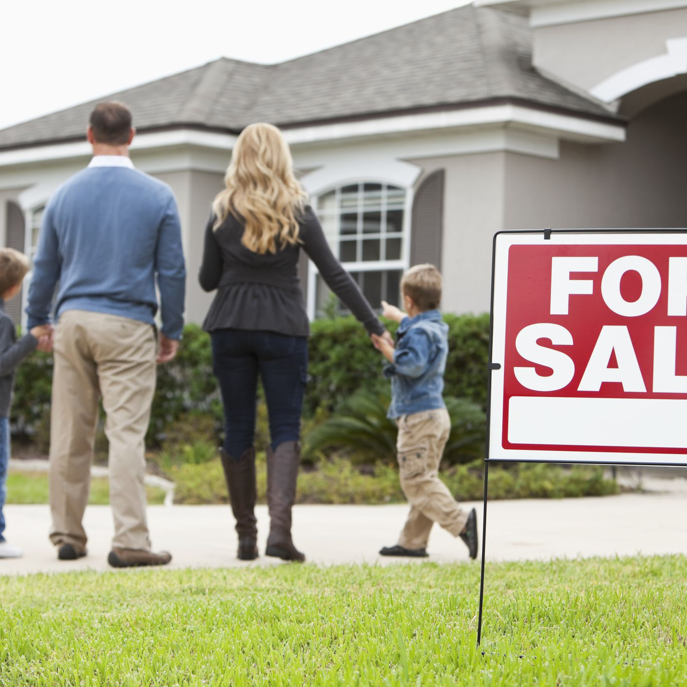 Buying a Home When Prices Are Falling Requires Strategy