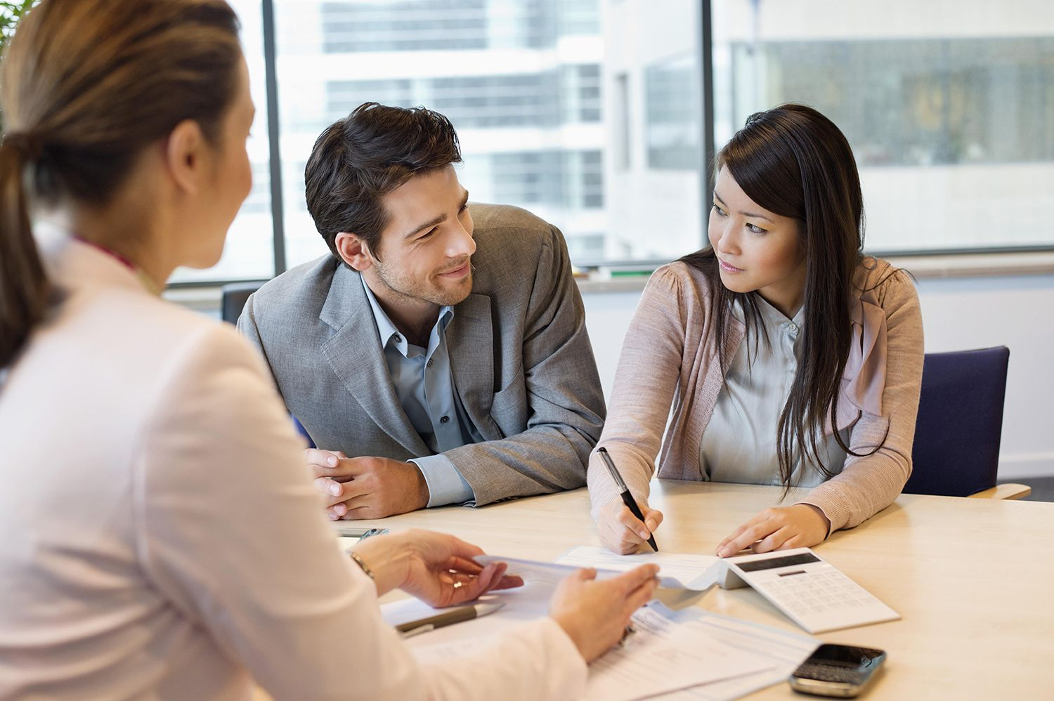 Using a Cosigner Service for Your Apartment Lease – Benefits & Risks