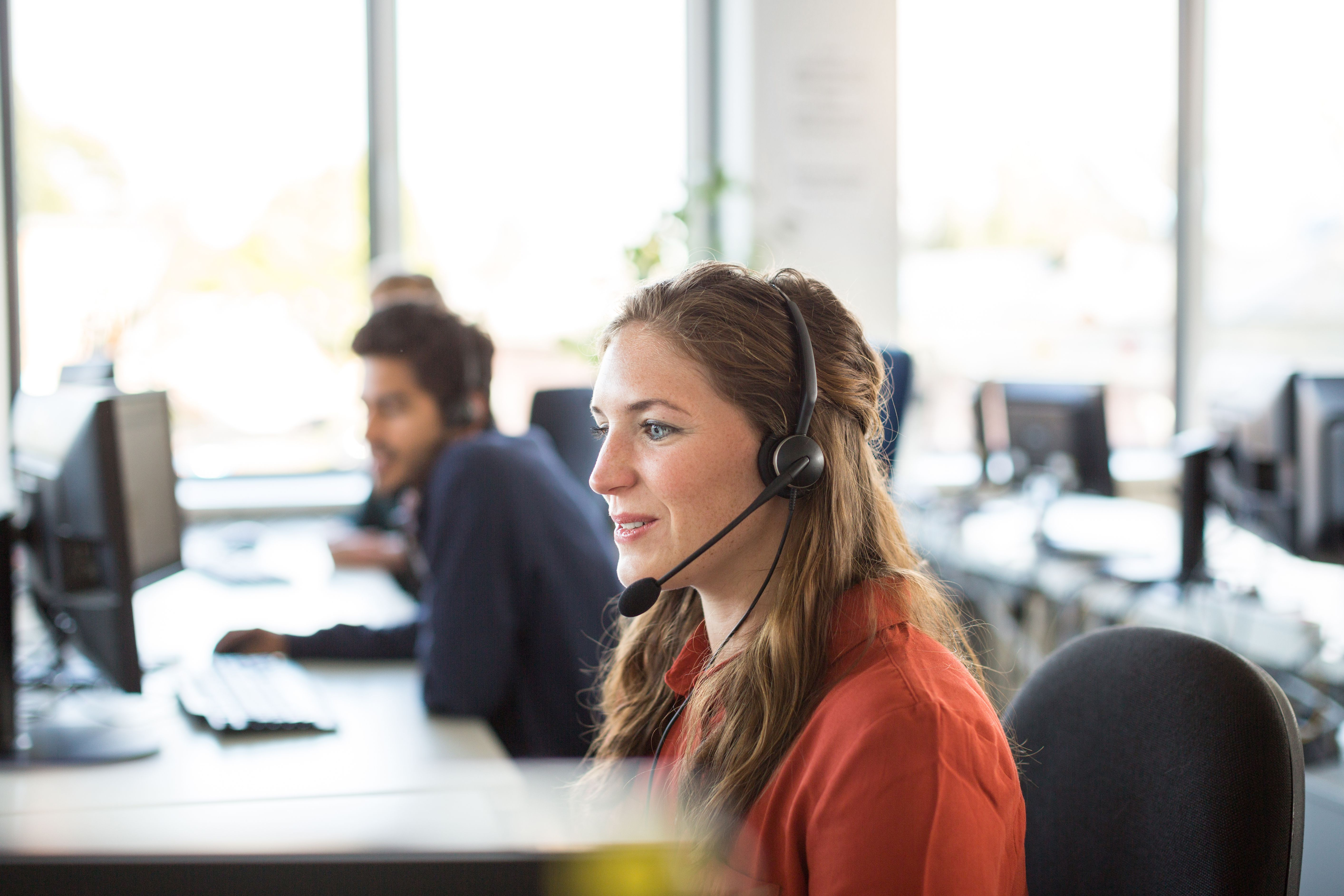 call center outsourcing  pros  cons  economic effect