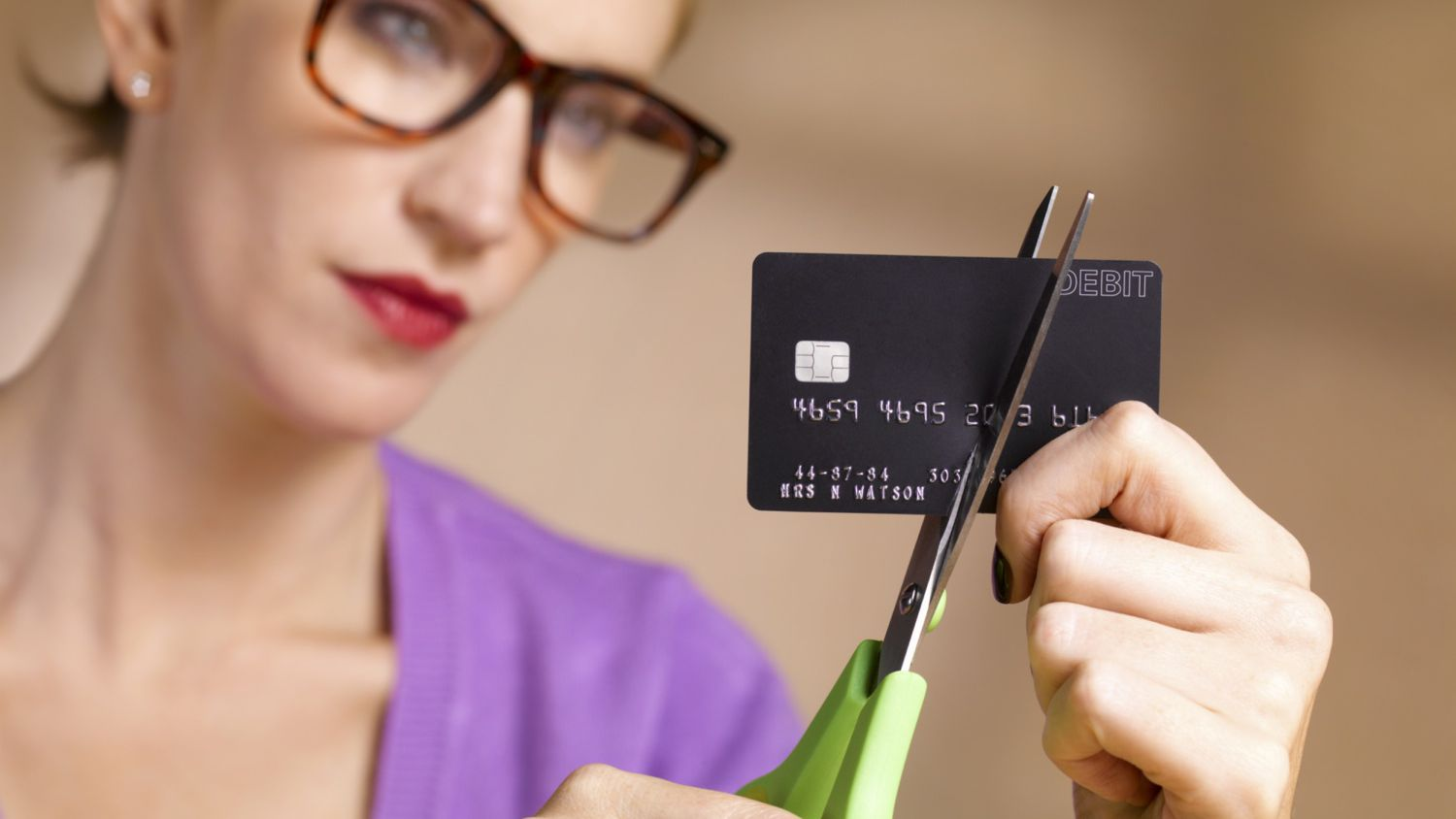Tips to Stop Using Credit Cards to Get Out of Debt