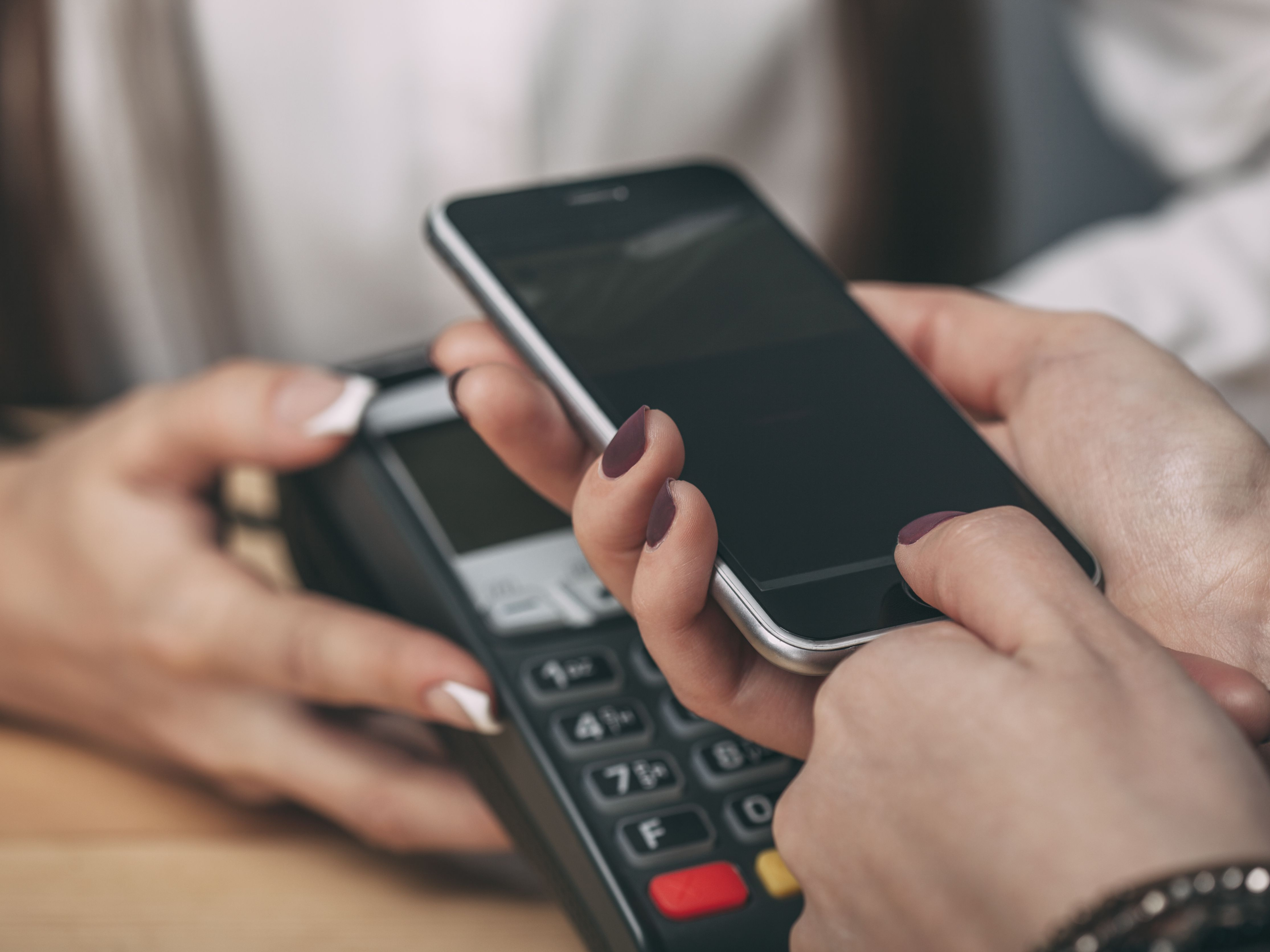 Tips for Making Safe Mobile Payments