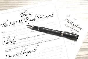 Last Will and Testament Paper and Pen