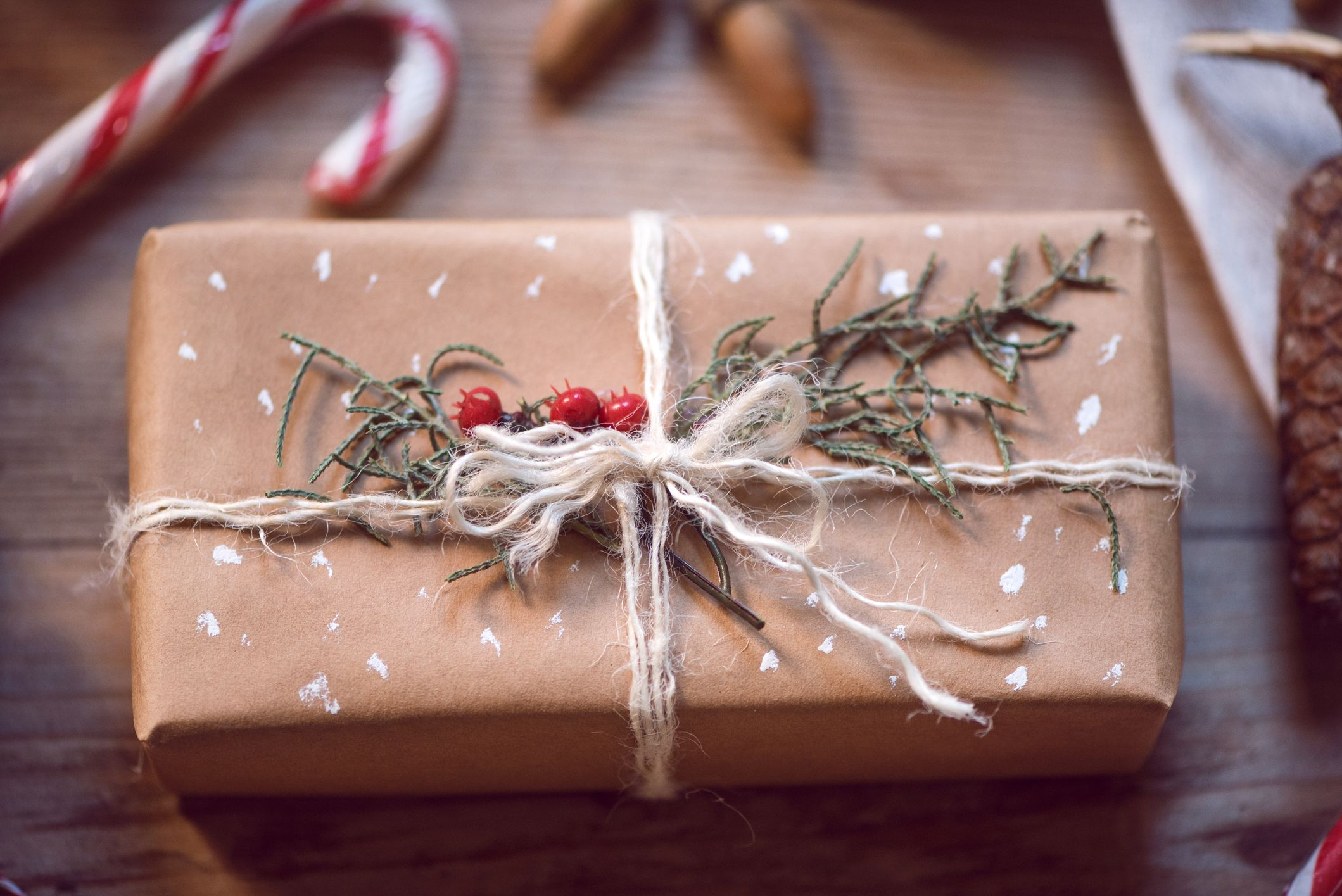5 Tips to Help You Save Money on Christmas Gifts
