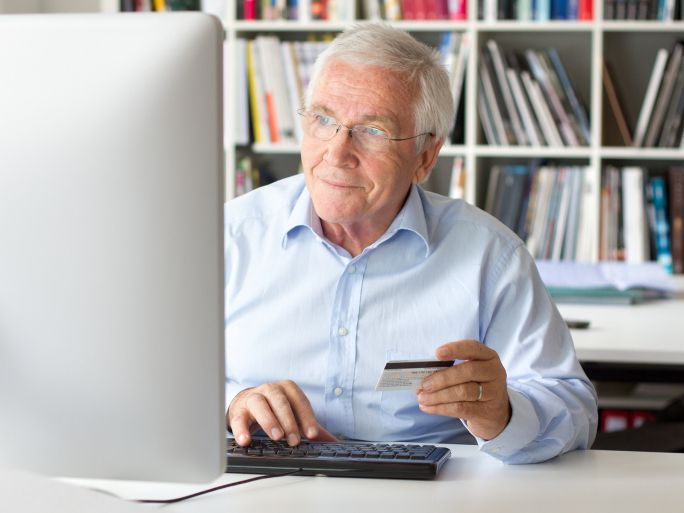 Senior man letting his credit card account age to build good credit