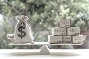 How to Sell ETFs and Why to Sell Them Short