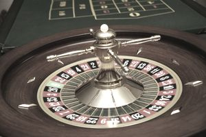 Roulette Table & Wheel