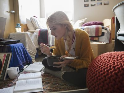 How to Save Money In Your First Year of College