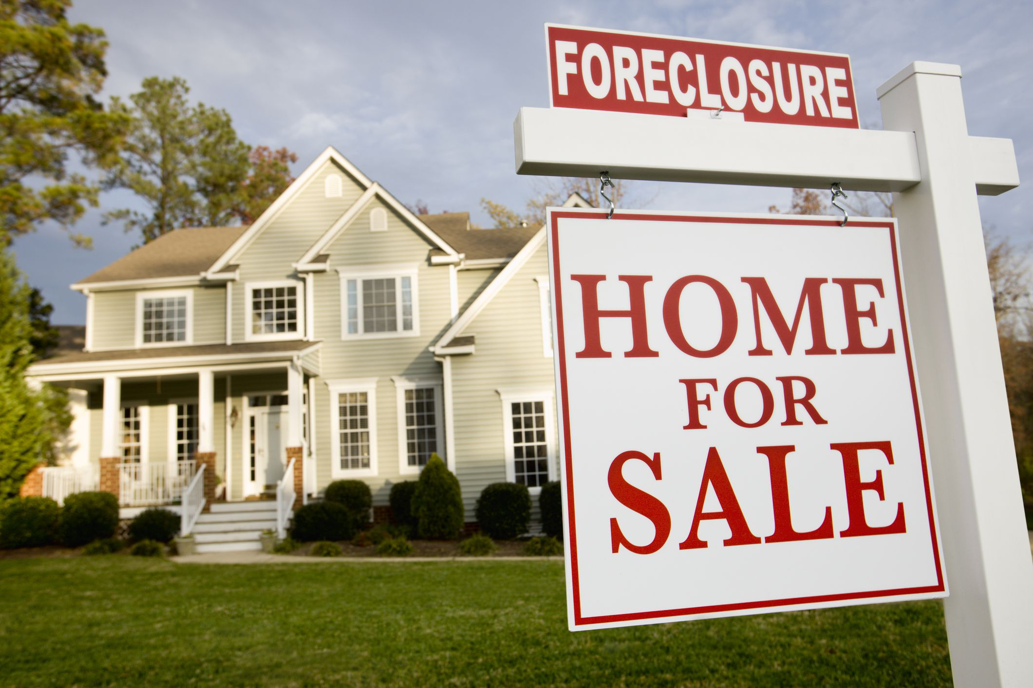 Why a Foreclosed Home Sells for Less Than You Offered