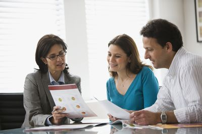 Couple getting a financial consult