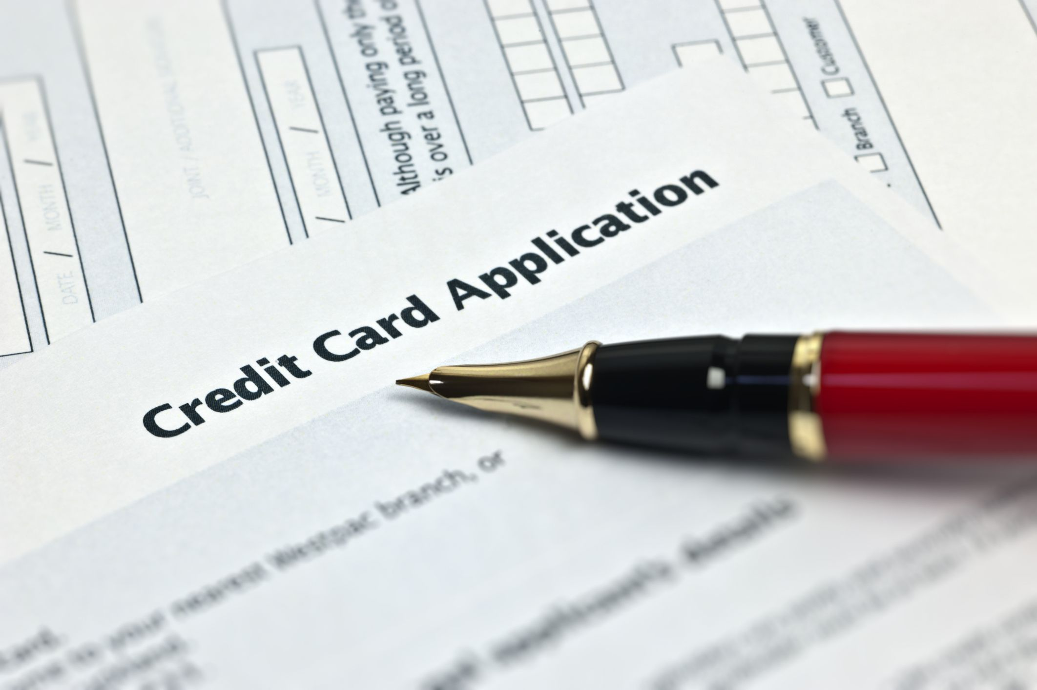 What Does Annual Income Mean When Applying for a Credit Card?