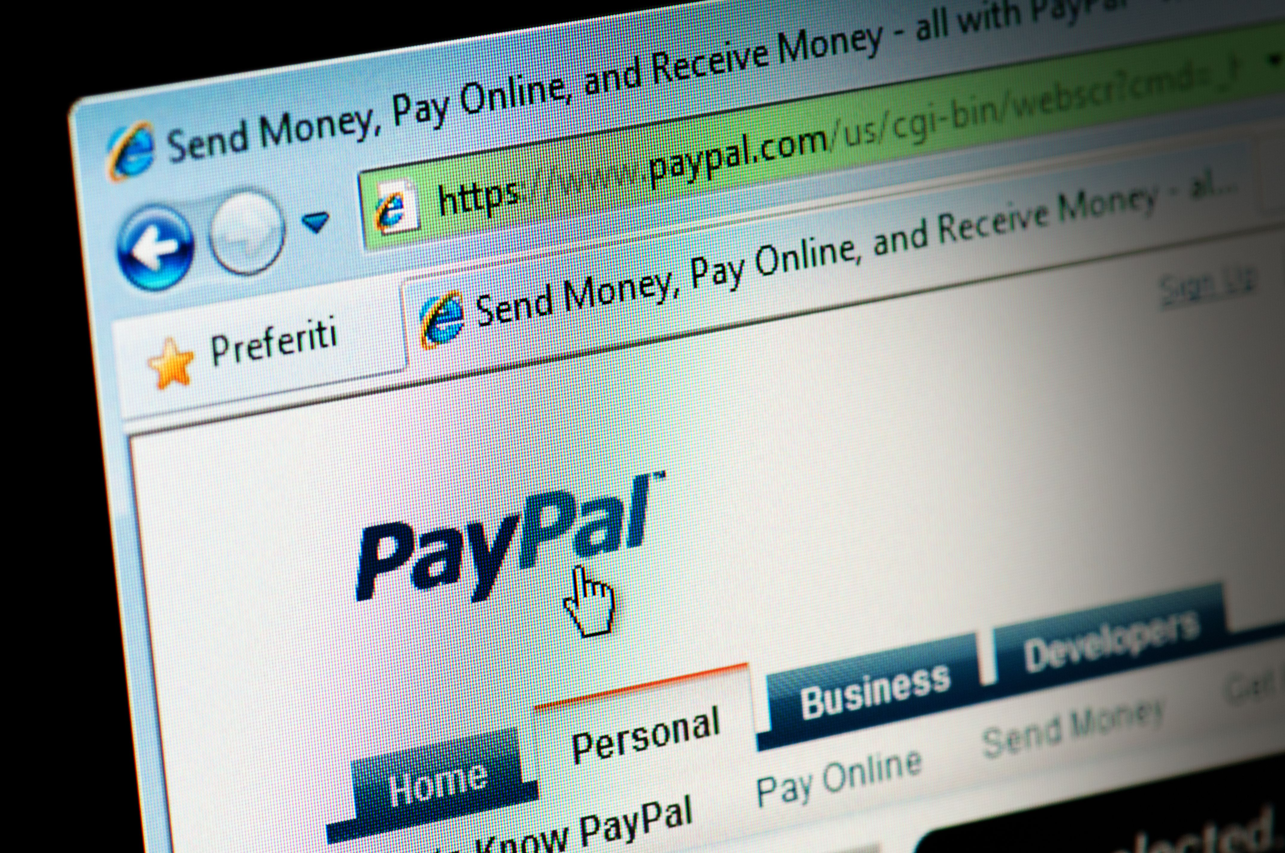 How to Add a Paypal Account Into Quicken