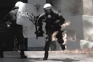 Austerity measures prompt greek riot