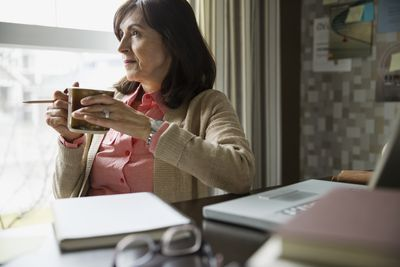 Woman who doesn't know if she can take money from her 401k or know