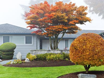 Selling a house in Autumn is harder because the market is slow.