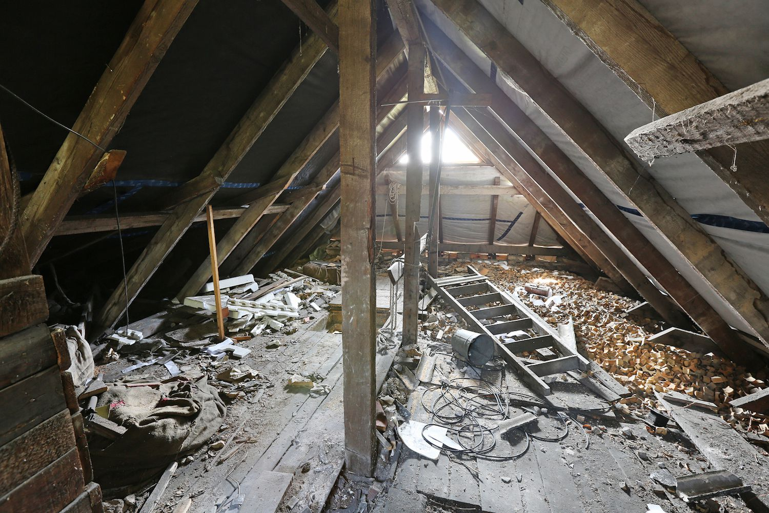 Reasons to Inspect an Attic Before You Buy a Home