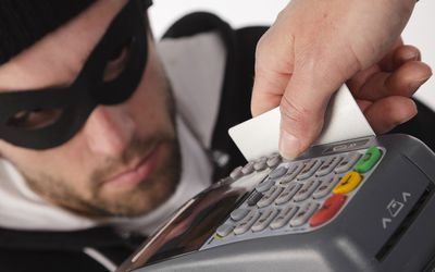 The difference between credit card and a debit card debit card stoleng reheart Image collections