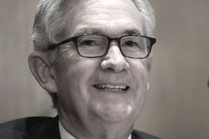 Jerome Powell smiling