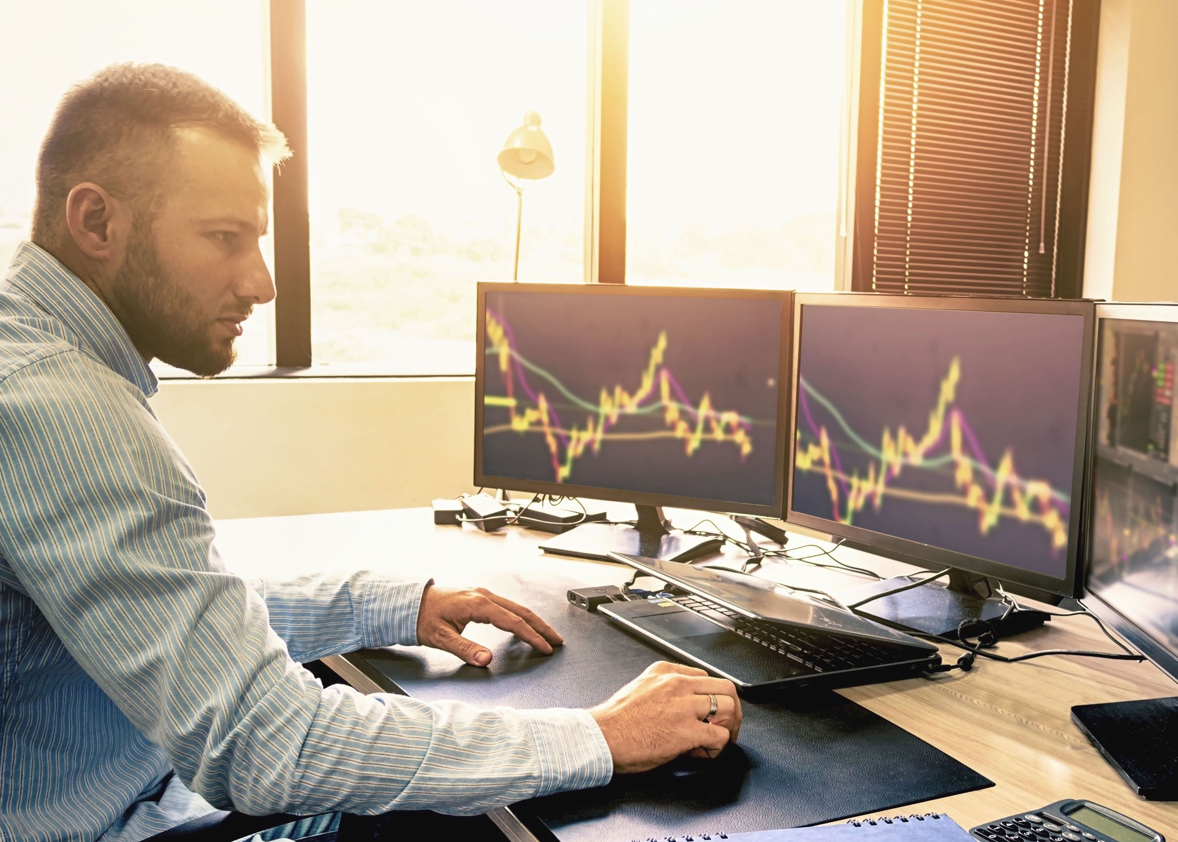Should You Leave Your Day Trades Alone or Actively Manage Them?