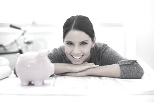 A woman learning about how a 401(k) plan works.