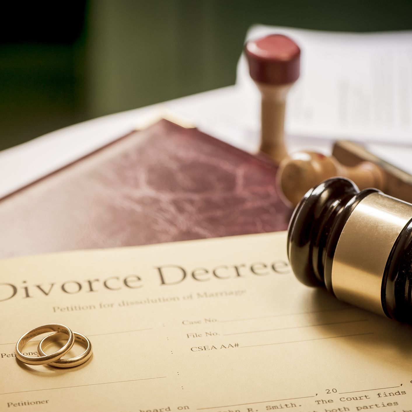 Differences Between Alimony and Child Support