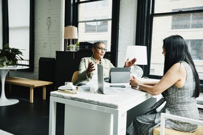 financial advisor in discussion with a new investor