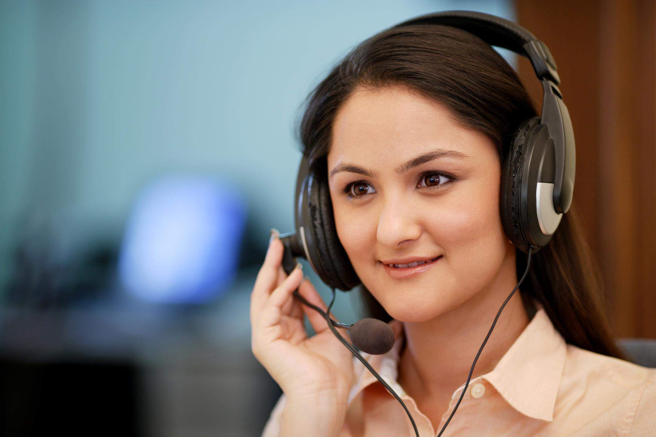 Call center firms now hire U.S. workers in their homes