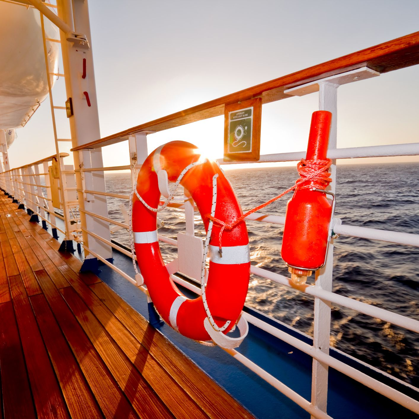 What Should Be in My Boat Safety Kit?