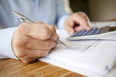 Calculating EPS during financial analysis