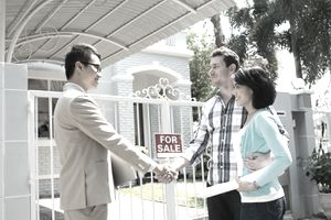 Homebuyers and agent