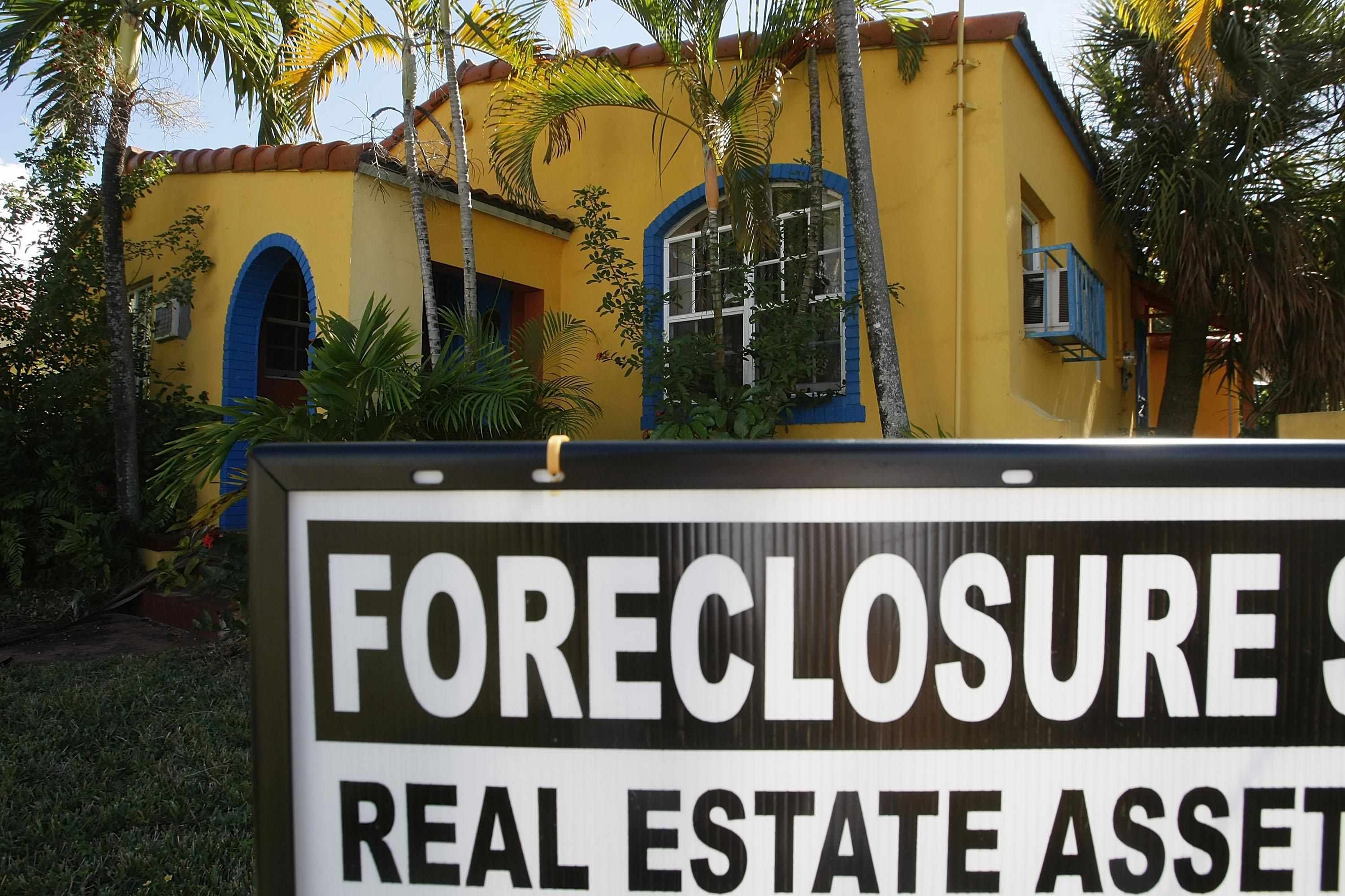 Buying Short Sale vs  Foreclosure Properties