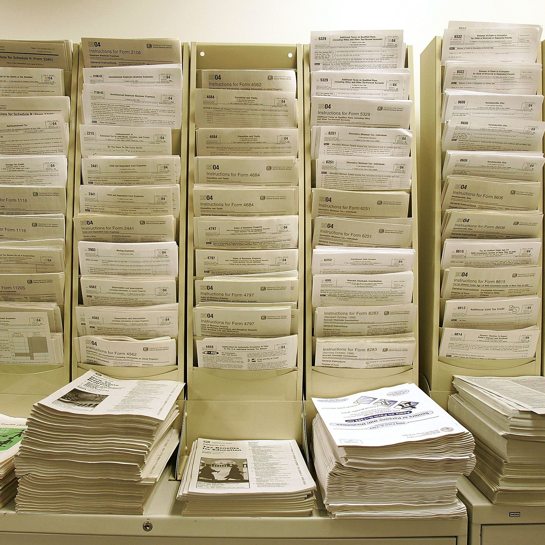 When to File IRS Form 706 for 2014 Deaths
