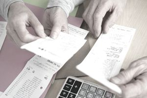 Fixed expenses vs variable expenses and how to save on each