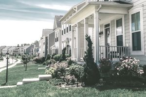 A row of detached homes in an idyllic community in Fredericksburg, Virginia