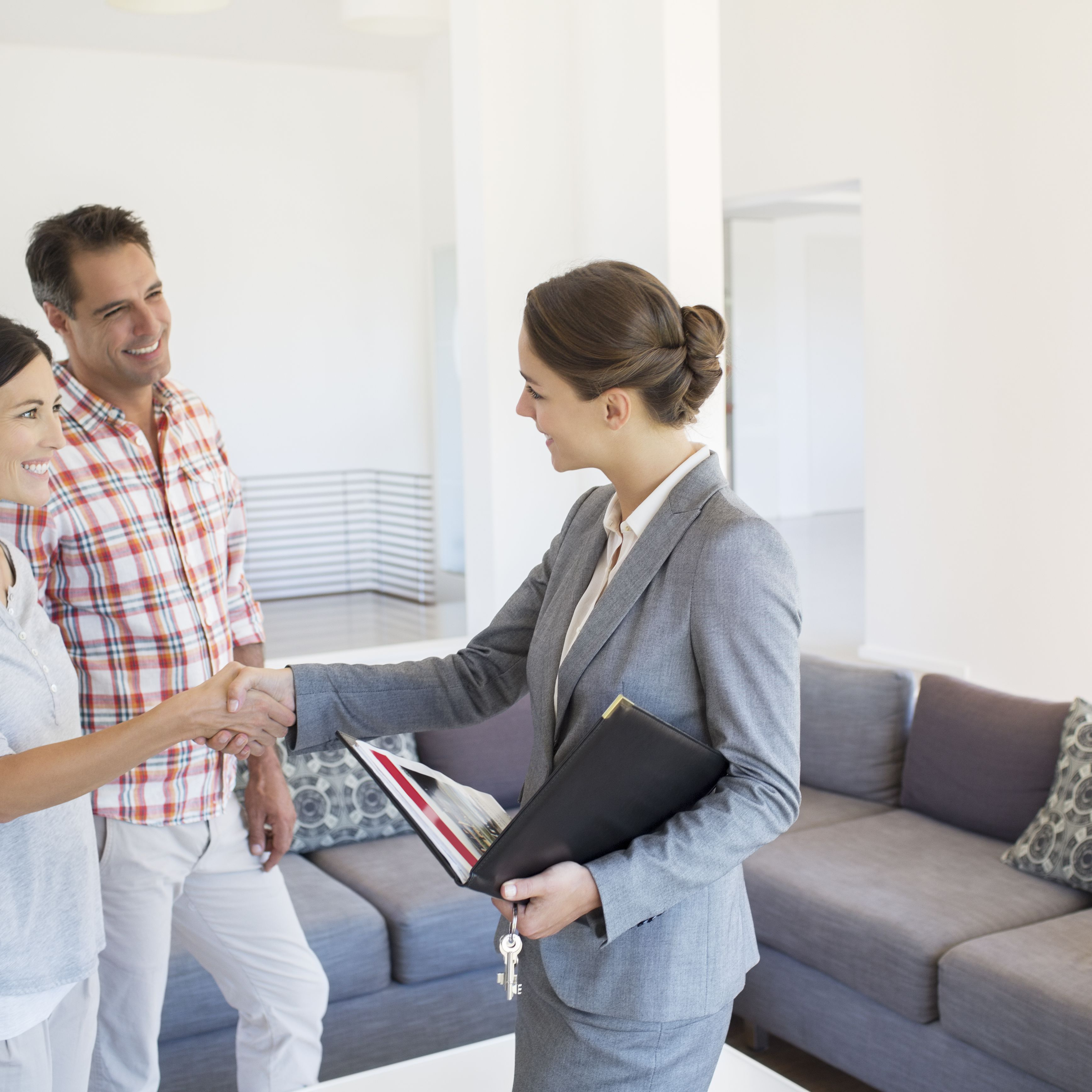 Rules for Home Buyers Working With Real Estate Agents