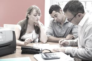couple with advisor_financial planning