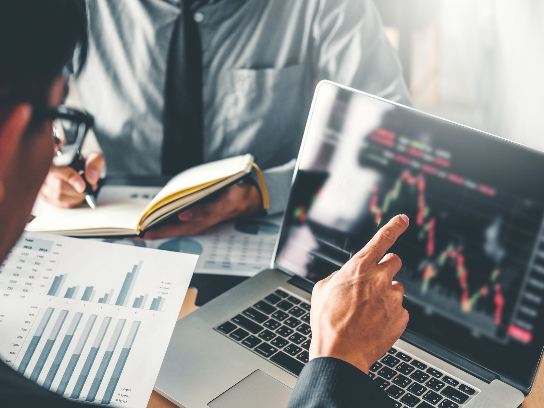 Get Help Investing With the Best Online Brokers