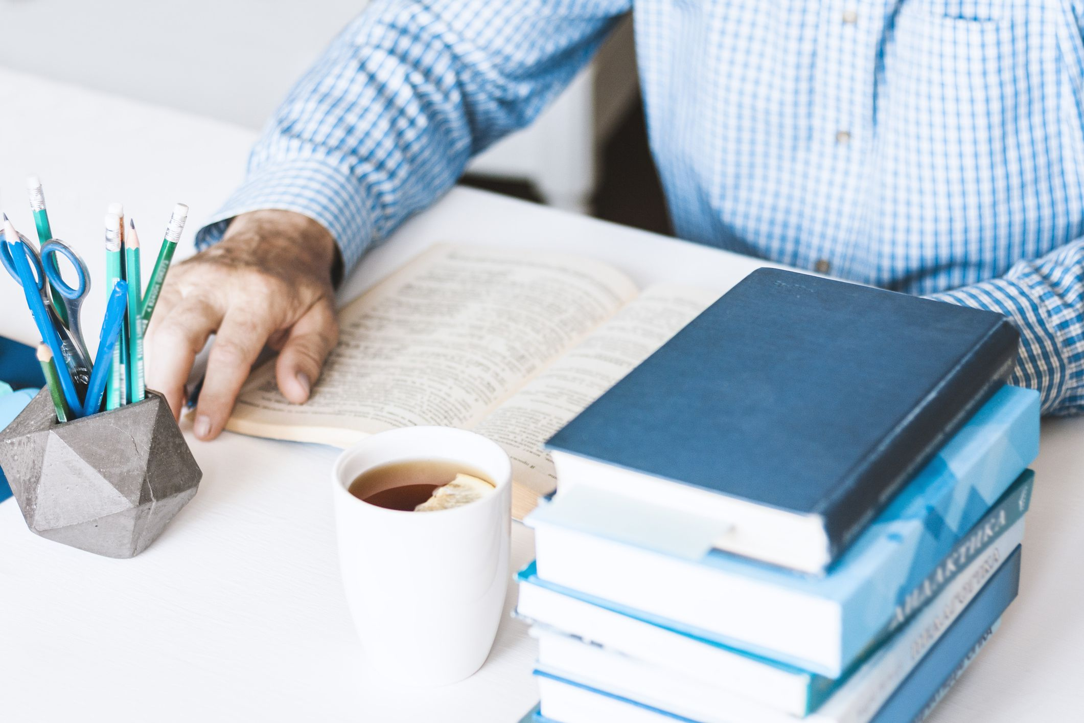 The 9 Best Investing Books for Beginners in 2021