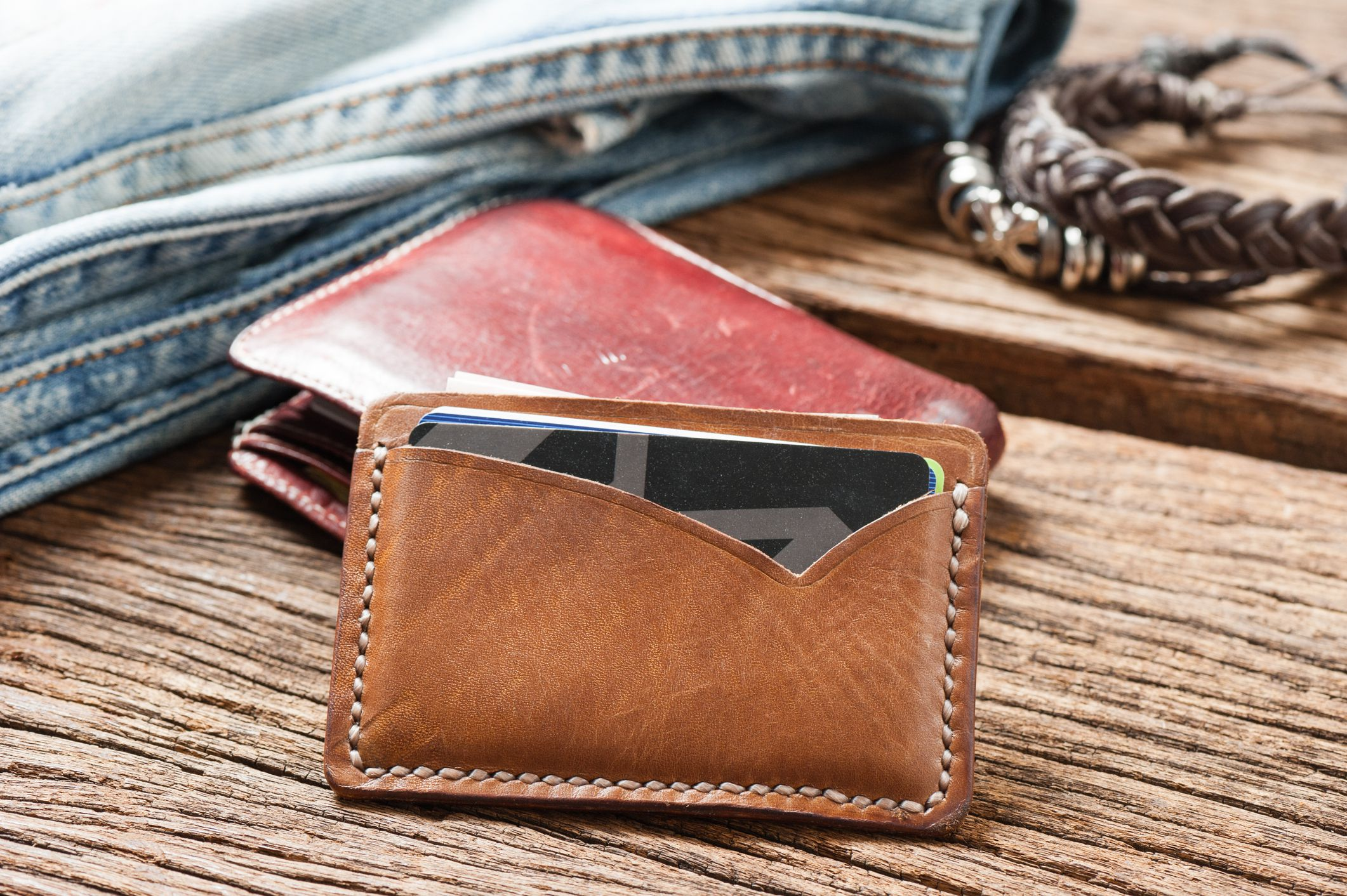 184b9ee03e25 The 8 Best Minimalist Wallets of 2019