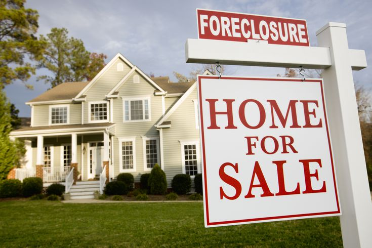 Why a Foreclosed Home Sells for Less Than You fered
