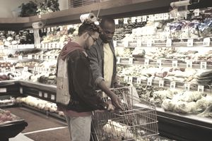 men grocery shopping
