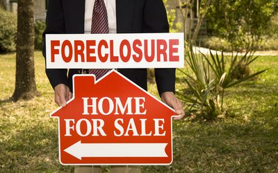 How to Find Foreclosures and Government-Seized Homes