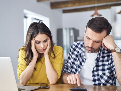 An amicably divorcing couple tries to determine their individual incomes