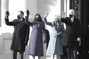 WASHINGTON, DC - JANUARY 20: (L-R) Doug Emhoff, U.S. Vice President-elect Kamala Harris, Jill Biden and President-elect Joe Biden wave as they arrive on the East Front of the U.S. Capitol for the inauguration on January 20, 2021 in Washington, DC. During today's inauguration ceremony Joe Biden becomes the 46th president of the United States. (Photo by Joe Raedle/Getty Images)
