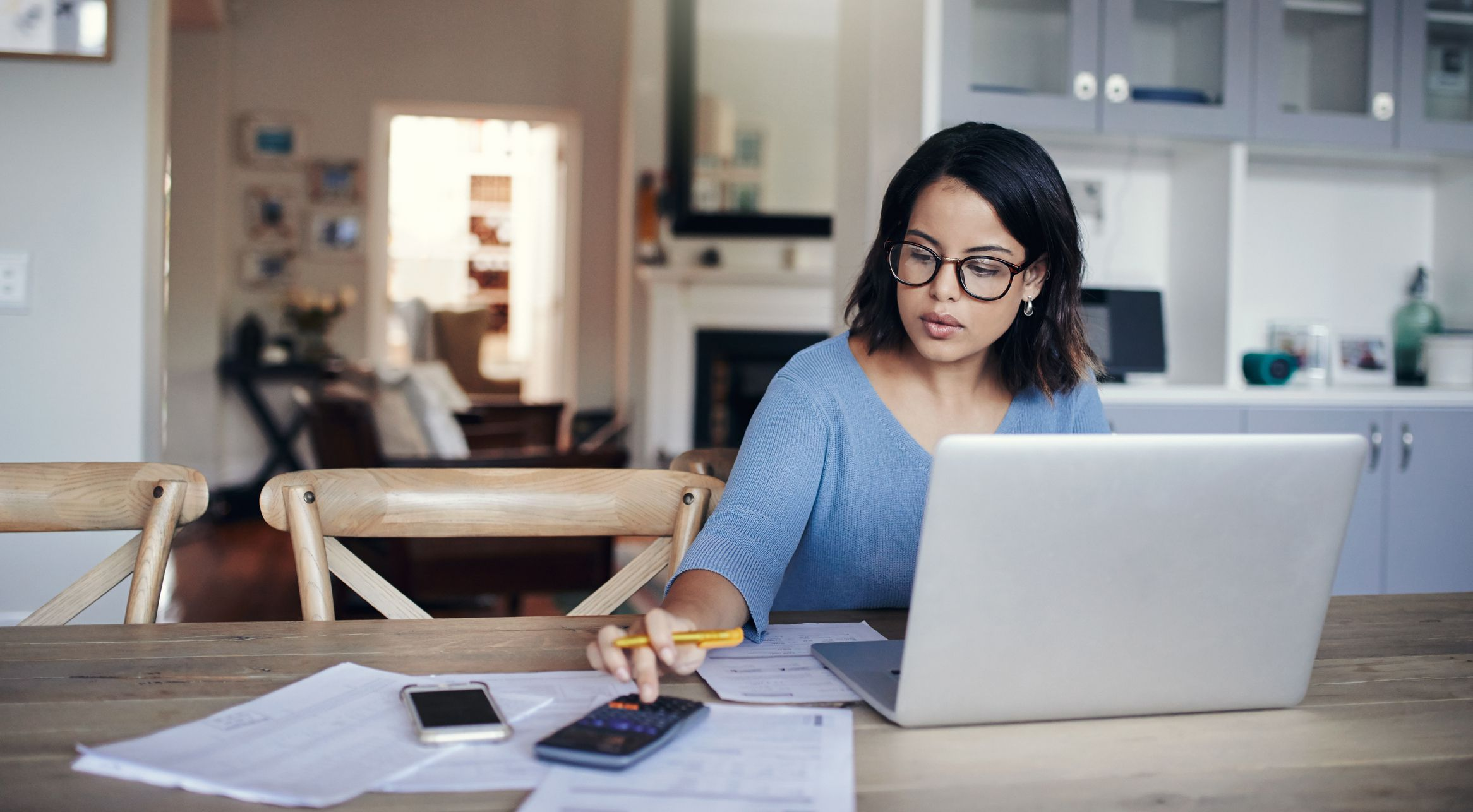 How to Pay Your Bills Online (Simplify Your Finances)
